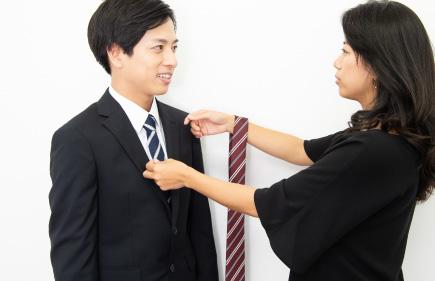 就活写真用のレンタルスーツが無料