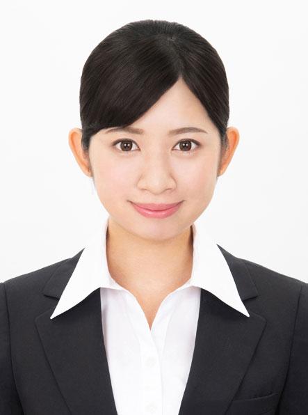 女子就活生のプロがヘアメイクして、撮影指導をした証明写真のアフター