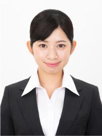 黒髪修正を施した女性の就活証明写真
