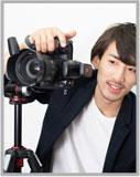 就活用の証明写真を撮影するプロカメラマン
