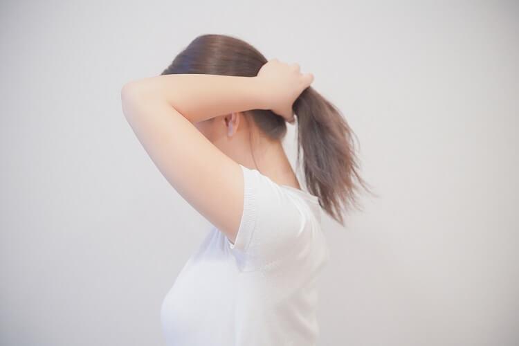 就活証明写真で一つ結びが女子の髪型に最適って本当?プロが解説します