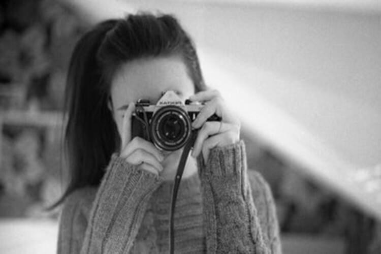 就活写真で女子のオールバックヘアは大丈夫?良く見せるポイントをプロが解説します。10