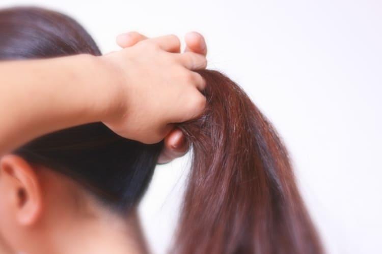 女性のロングヘアは就活証明写真で結局どの髪型にすべき?プロのヘアメイクが詳しく解説!10