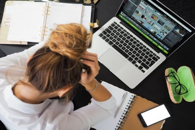 女性のロングヘアは就活証明写真で結局どの髪型にすべき?プロのヘアメイクが詳しく解説!11