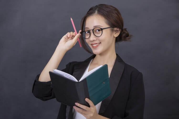 メーカー志望就活生のために戦略的な就活証明写真のおすすめな撮り方をプロが解説