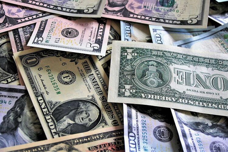 【金融業界向け】戦略的な就活の証明写真のおすすめな撮り方をプロがご紹介!2