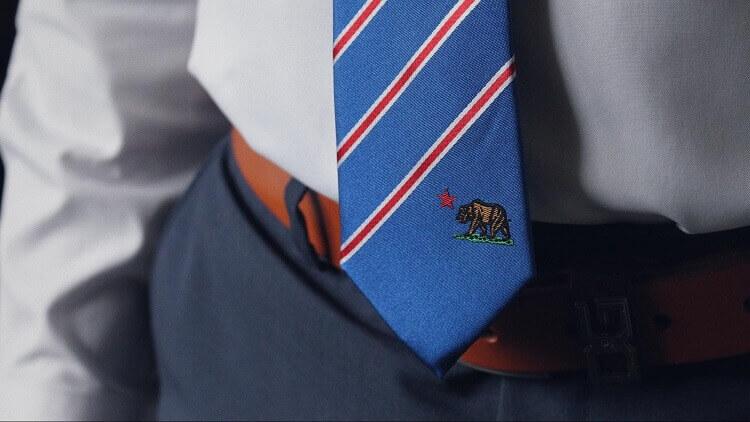 就活の証明写真でネクタイはどう着けるべき?色、柄、結び方までプロが徹底解説3