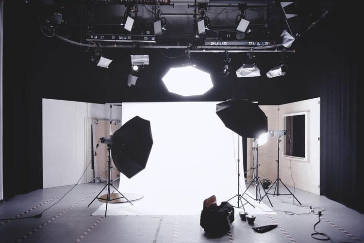 【男性編】採用に繋がりやすい就活用証明写真の撮り方をプロカメラマンが解説1