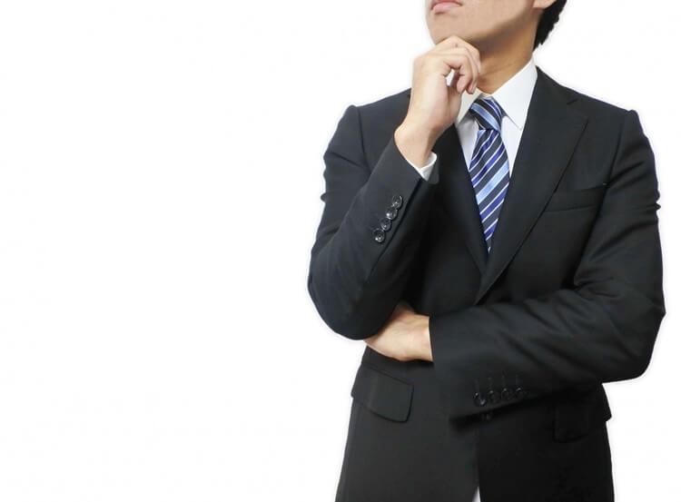 就活の証明写真の襟元のルールを完全解説!シャツの襟はスーツから出すのか、ボタンは開けるのか?3