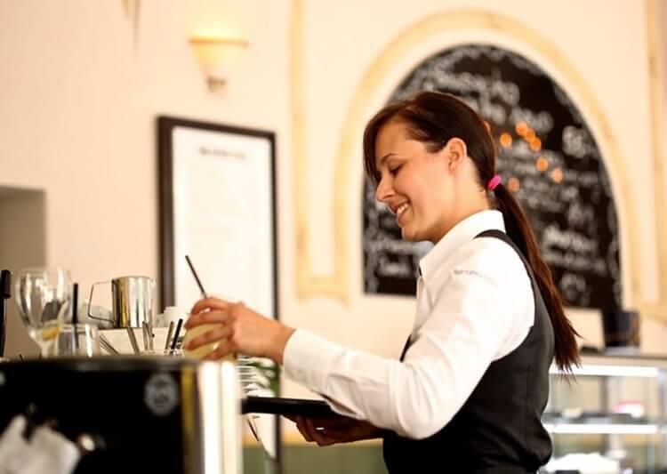 ホテル業界志望の戦略的な就活証明写真とは?おすすめの撮り方をプロが解説2