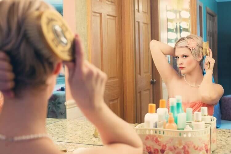 就活証明写真で女子もワックスをつける必要ある?プロがお答えします2