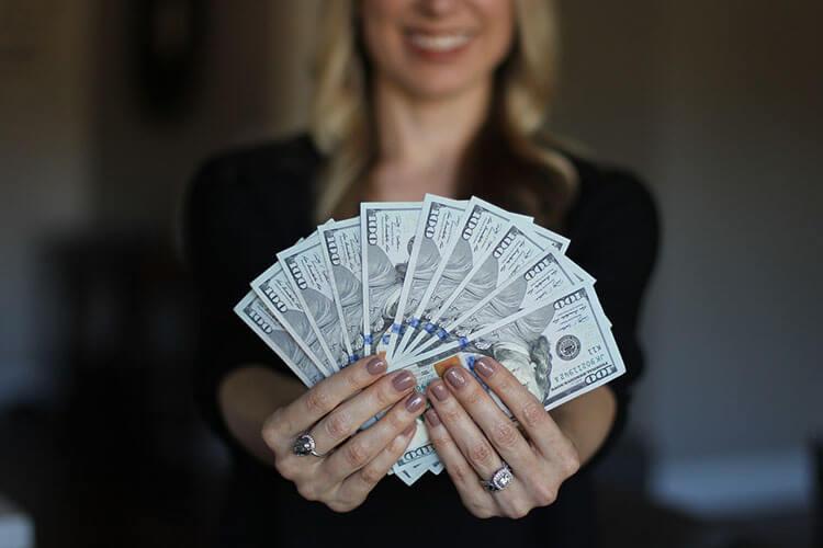 銀行志望の戦略的な就活証明写真とは?おすすめな撮り方をプロが解説!1
