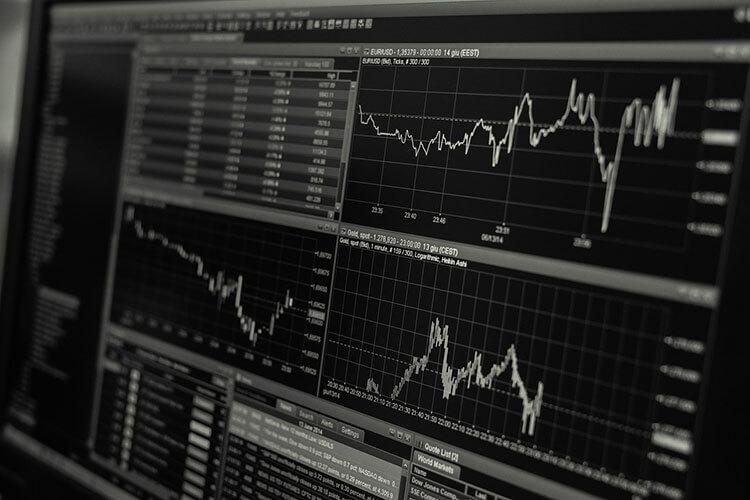 【金融業界向け】戦略的な就活の証明写真のおすすめな撮り方をプロがご紹介!1