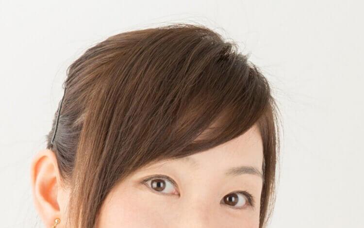 就活写真に適した女性の前髪の流し方とは?セット方法や注意点を解説