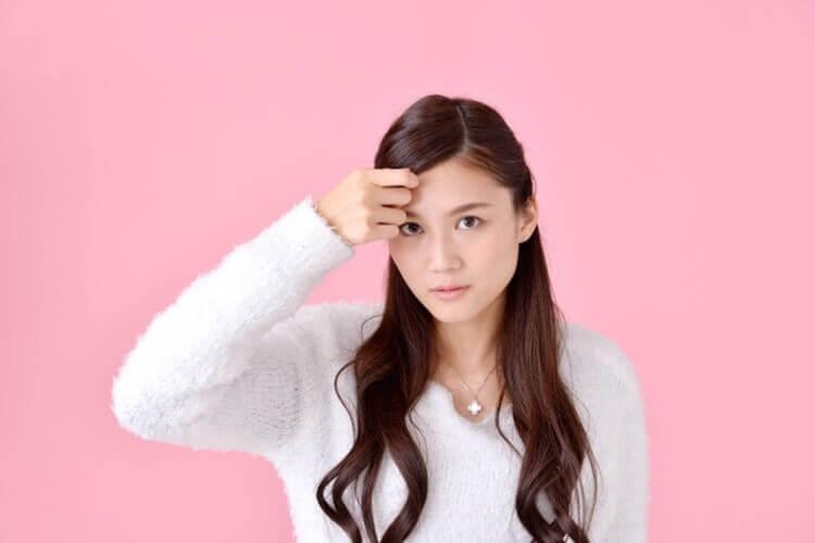 就活写真に適した女性の前髪の流し方とは?セット方法や注意点を解説2