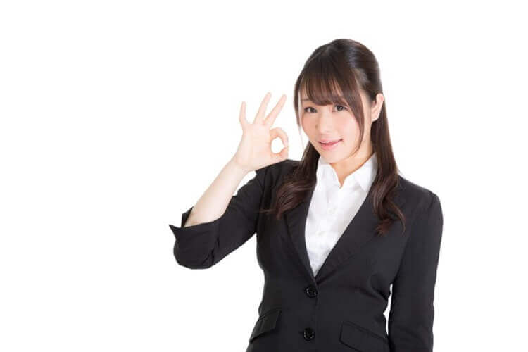 【プロ直伝!】 就活メイクのポンポンチークの使い方とおすすめポンポンチークを解説3