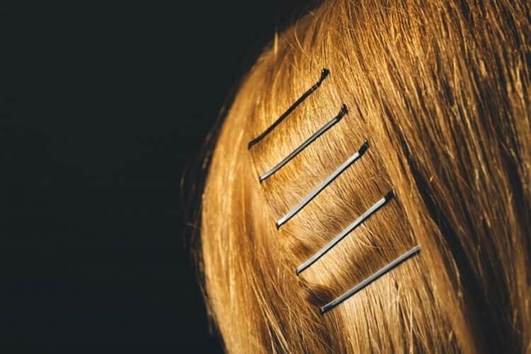 就活写真で前髪にピンはOK?就活ヘアに最適なピンの留め方をプロが解説6