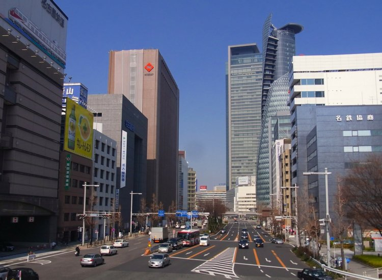 名古屋の栄に就活写真口コミNO.1のスタジオインディが新規オープン