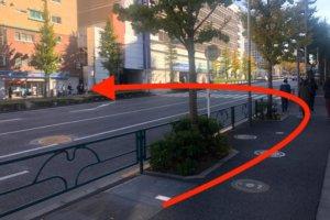 JR新宿駅東口からの行き方6